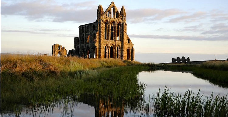Attractions - Whitby Abbey